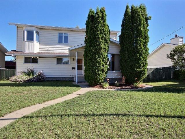 8604 152A Avenue, Edmonton, AB T5E 3B2 (#E4123213) :: The Foundry Real Estate Company