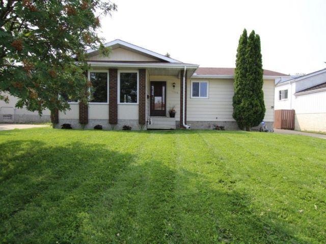 6315 17 Avenue, Edmonton, AB T6L 1N3 (#E4123398) :: The Foundry Real Estate Company