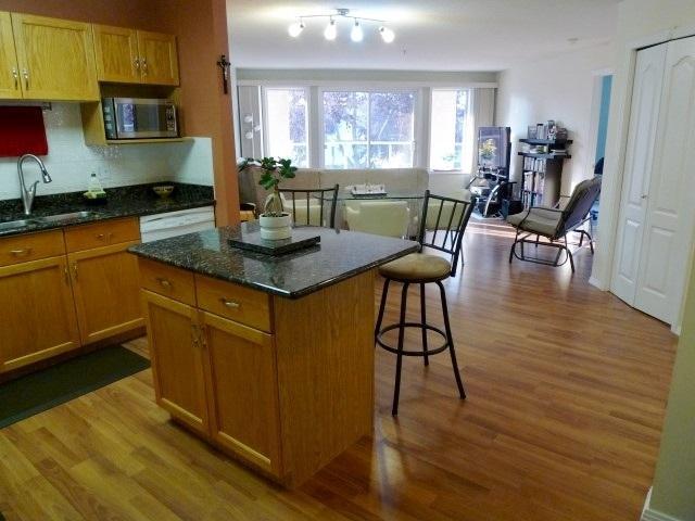 105 10421 42 Avenue, Edmonton, AB T6A 7C8 (#E4126096) :: The Foundry Real Estate Company