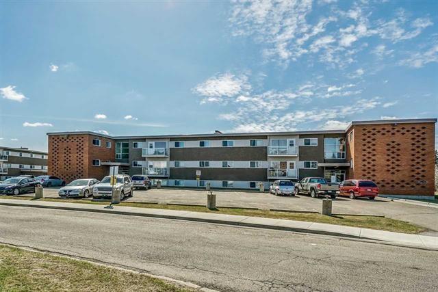 1 6205 98 Avenue, Edmonton, AB T6A 0A3 (#E4126831) :: The Foundry Real Estate Company