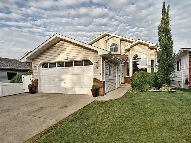 9115 74 Street, Edmonton, AB T6B 2B3 (#E4128936) :: The Foundry Real Estate Company