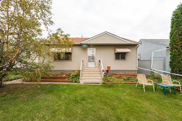 9632 63 Avenue, Edmonton, AB T6E 0G5 (#E4132883) :: The Foundry Real Estate Company