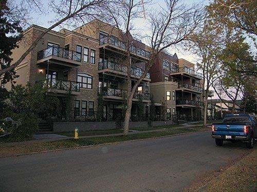 103 10808 71 Avenue NW, Edmonton, AB T6E 0X7 (#E4135171) :: The Foundry Real Estate Company