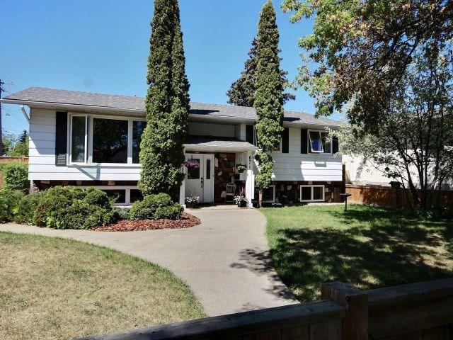 12718 67 Street, Edmonton, AB T5C 0C1 (#E4135483) :: The Foundry Real Estate Company