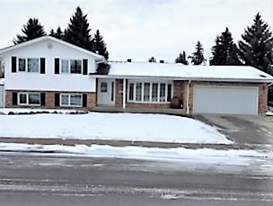 14715 Riverbend Road, Edmonton, AB T6H 4V5 (#E4136223) :: Müve Team | RE/MAX Elite