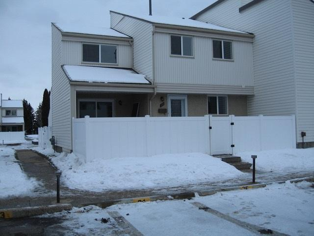 35 Woodvale Village, Edmonton, AB T6L 1W4 (#E4138669) :: Müve Team   RE/MAX Elite