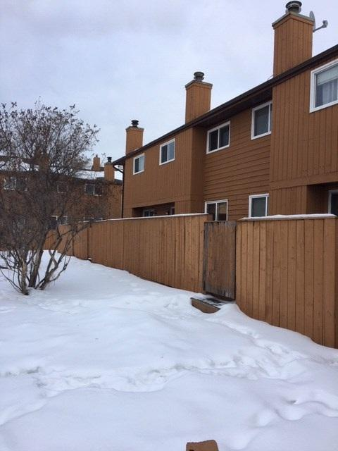 6062 Millwoods Road NW, Edmonton, AB T6L 1N5 (#E4141728) :: The Foundry Real Estate Company