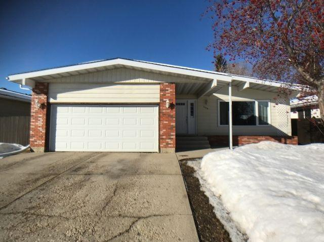 2416 81 Street, Edmonton, AB T6K 2Y4 (#E4147981) :: The Foundry Real Estate Company