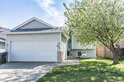 129 Crystal Lane, Sherwood Park, AB T8H 1T8 (#E4157527) :: The Foundry Real Estate Company
