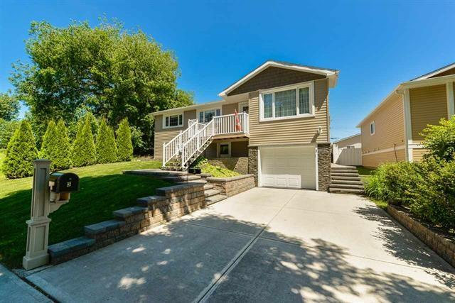 3 Maple Drive, St. Albert, AB T8N 1G5 (#E4160781) :: David St. Jean Real Estate Group