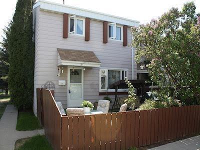 2C Callingwood Court, Edmonton, AB T5T 0H5 (#E4161382) :: David St. Jean Real Estate Group