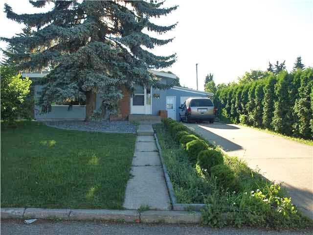 8515 142 Street, Edmonton, AB T5R 0M1 (#E4162500) :: David St. Jean Real Estate Group