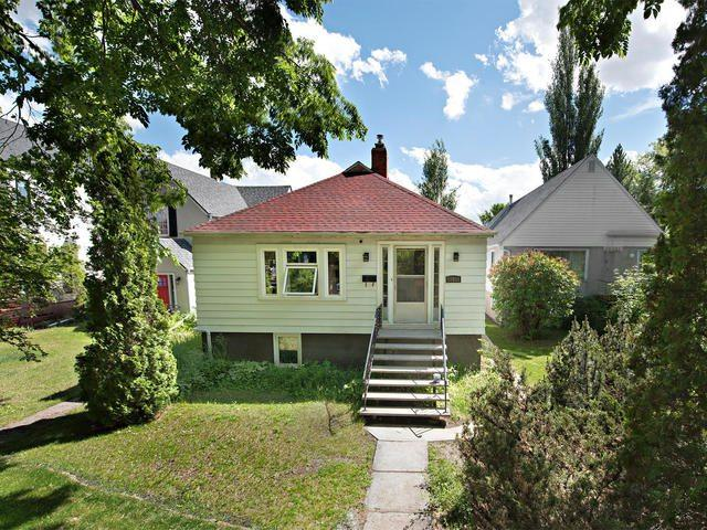 10933 University Avenue, Edmonton, AB T6G 1Y1 (#E4162959) :: David St. Jean Real Estate Group