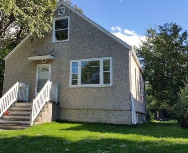 11147 72 Avenue, Edmonton, AB T6G 0B3 (#E4163722) :: David St. Jean Real Estate Group