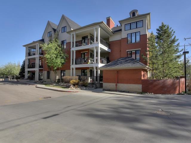 102 9803 96A Street, Edmonton, AB T6A 4A5 (#E4168086) :: The Foundry Real Estate Company