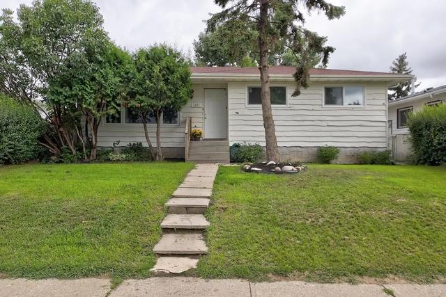 1336 72 Street, Edmonton, AB T6K 2S9 (#E4169293) :: The Foundry Real Estate Company