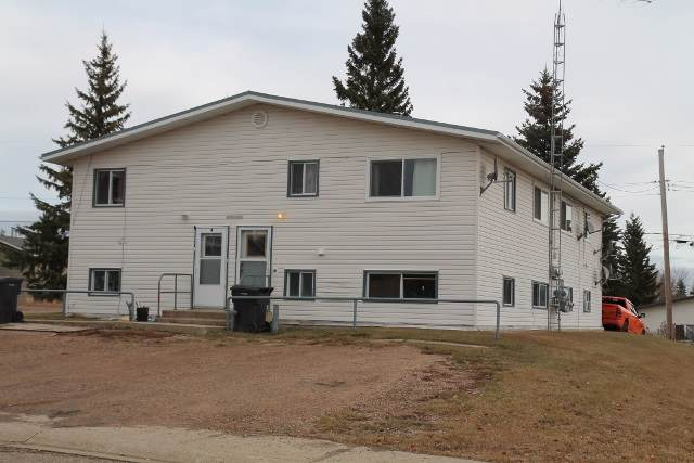 5121 54 ST, Elk Point, AB T0A 1A0 (#E4177978) :: Initia Real Estate