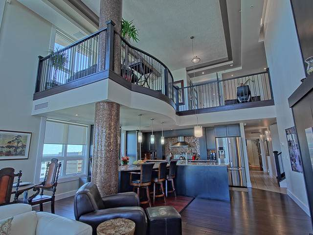 PH04/1804 9939 109 Street, Edmonton, AB T5K 1H6 (#E4181159) :: The Foundry Real Estate Company