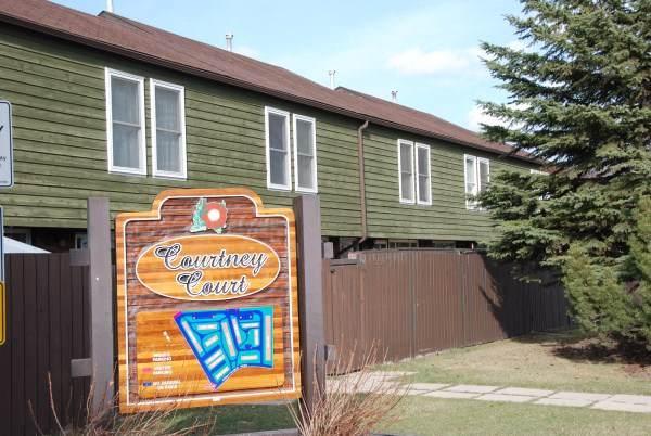 476 Abbottsfield Road, Edmonton, AB T5W 4R3 (#E4182622) :: Initia Real Estate