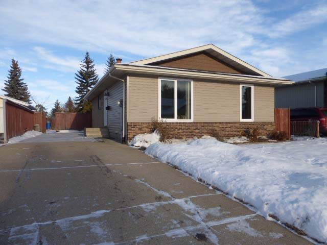 5128 37 Avenue, Edmonton, AB T6L 1C8 (#E4182912) :: Initia Real Estate