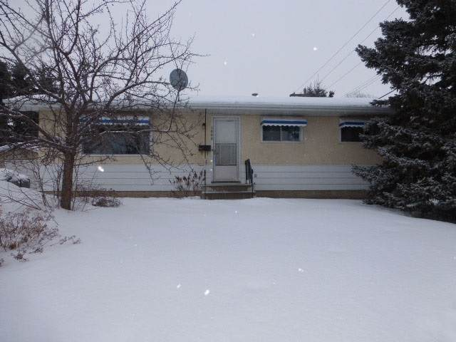 5008 54 Avenue, Leduc, AB T9E 5L5 (#E4186360) :: Initia Real Estate