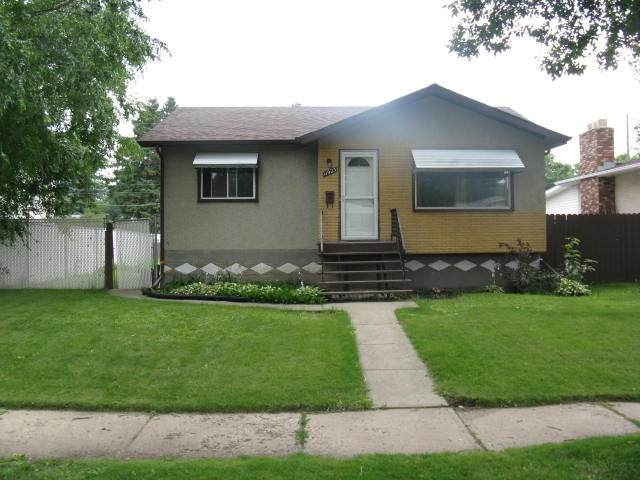 11923 46 Street, Edmonton, AB T5W 2V8 (#E4189392) :: Initia Real Estate