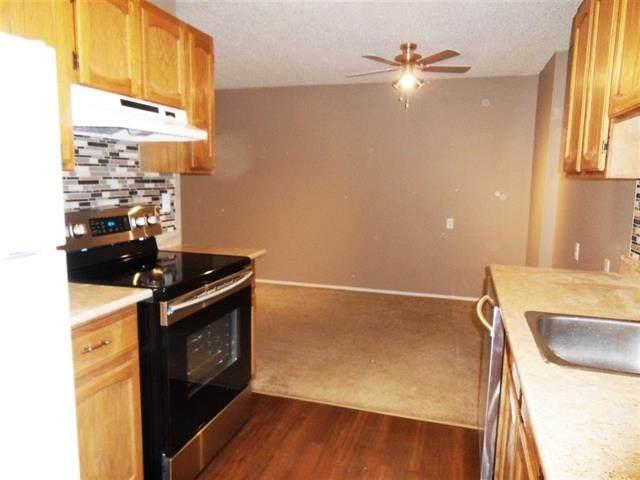 120 3610 43 Avenue, Edmonton, AB T6L 5T2 (#E4192672) :: Initia Real Estate