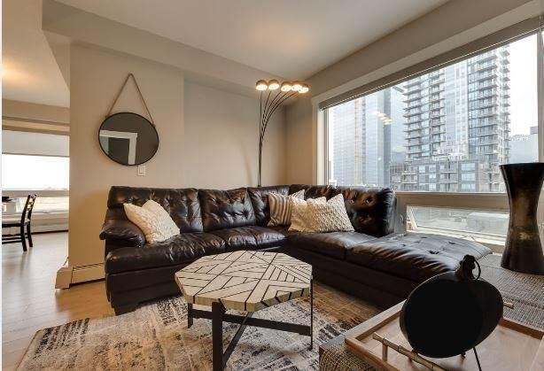 10226 104 Street, Edmonton, AB T5J 1B8 (#E4199589) :: The Foundry Real Estate Company