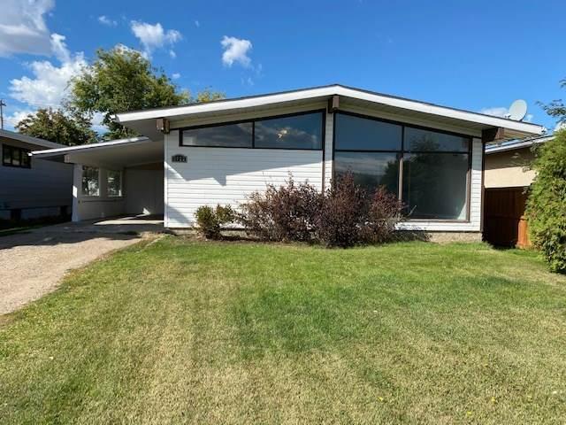 5922 50 Street, Vegreville, AB T9C 1H4 (#E4214003) :: The Foundry Real Estate Company