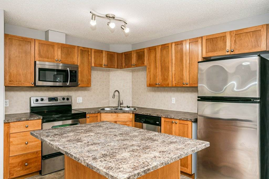 1121 330 Clareview Station Drive - Photo 1