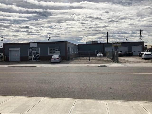 10359 61 AV NW, Edmonton, AB T6H 1L1 (#E4224871) :: Initia Real Estate