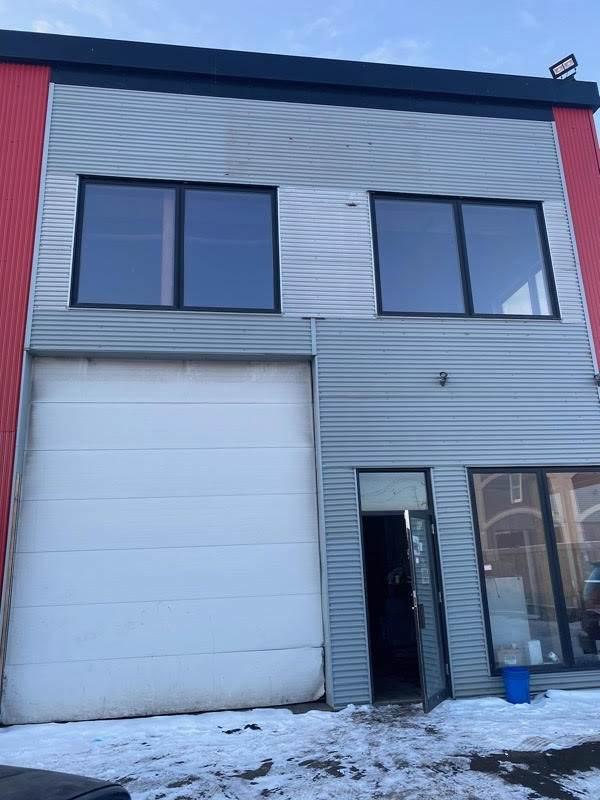 5608 53 AV NW, Edmonton, AB T6B 3K1 (#E4228895) :: Initia Real Estate