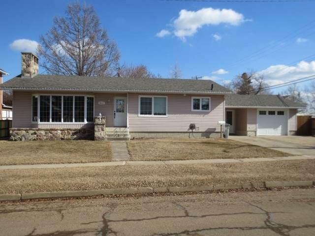 5013 53 Street, Lamont, AB T0B 2R0 (#E4235334) :: Initia Real Estate
