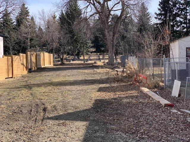 10611 60 Avenue, Edmonton, AB T6H 1H2 (#E4236480) :: Initia Real Estate