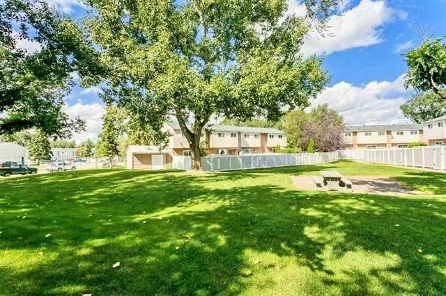 129 Habitat Crescent, Edmonton, AB T5A 2X7 (#E4238831) :: Initia Real Estate