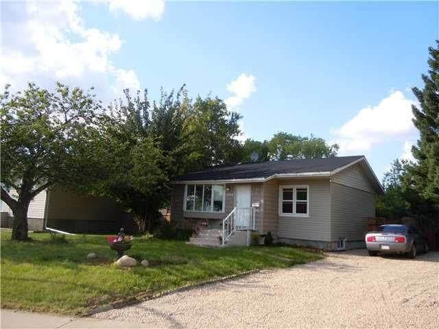 15712 106A Avenue NW, Edmonton, AB T5P 0X3 (#E4259543) :: Initia Real Estate