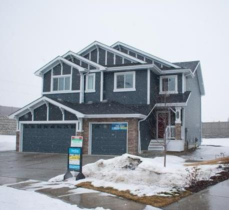 915 Ebbers Crescent NW, Edmonton, AB T5Y 3V1 (#E4092654) :: The Foundry Real Estate Company