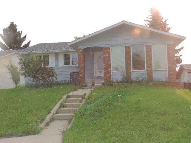 212 20A Street, Cold Lake, AB T9M 1G3 (#E4099983) :: The Foundry Real Estate Company