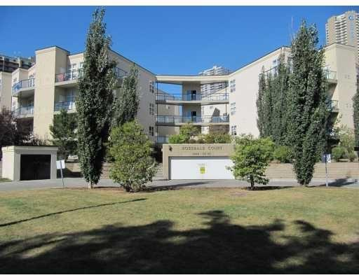 112 9804 101 Street NW, Edmonton, AB T5K 2X3 (#E4103027) :: The Foundry Real Estate Company