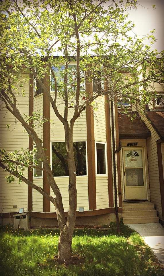 6163 38 Avenue NW, Edmonton, AB T6L 3Z5 (#E4104892) :: The Foundry Real Estate Company