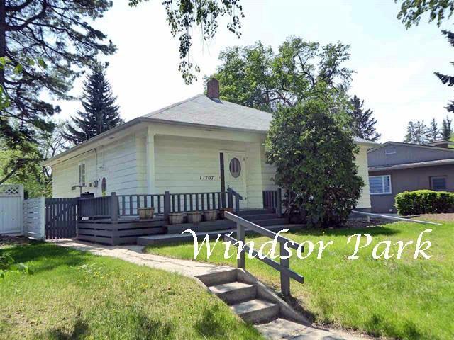 11707 Edinboro Road, Edmonton, AB T6G 1Z9 (#E4159283) :: David St. Jean Real Estate Group