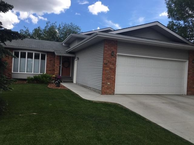 7507 152C Avenue NW, Edmonton, AB T5C 3L1 (#E4159842) :: David St. Jean Real Estate Group