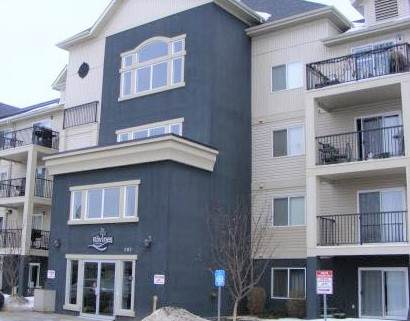 404 592 Hooke Road, Edmonton, AB T5A 5H2 (#E4177950) :: Initia Real Estate