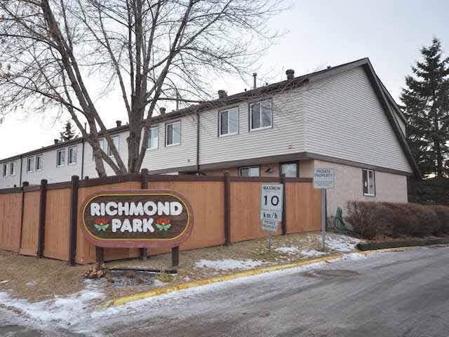 2564 138A Avenue, Edmonton, AB T5Y 1T3 (#E4180917) :: Initia Real Estate