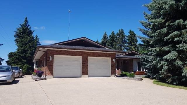 5120 127 Street, Edmonton, AB T6Y 0A6 (#E4233086) :: Initia Real Estate