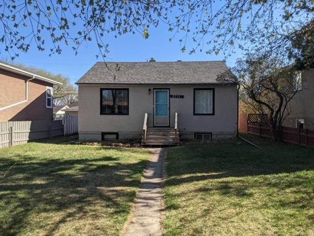 8711 80 Avenue, Edmonton, AB T6C 0T4 (#E4243135) :: Initia Real Estate