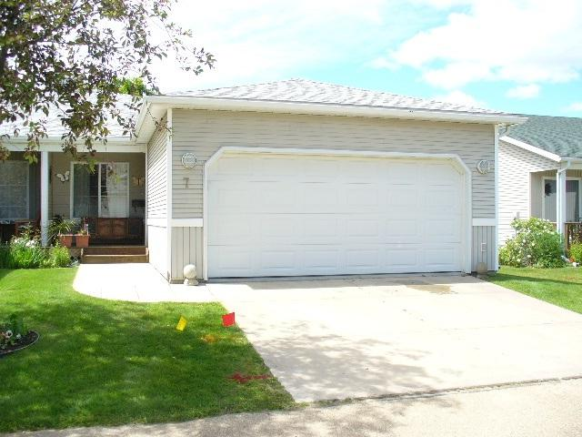 7 Village Lane, Rural Wetaskiwin County, AB T0C 2V0 (#E4070552) :: The Foundry Real Estate Company
