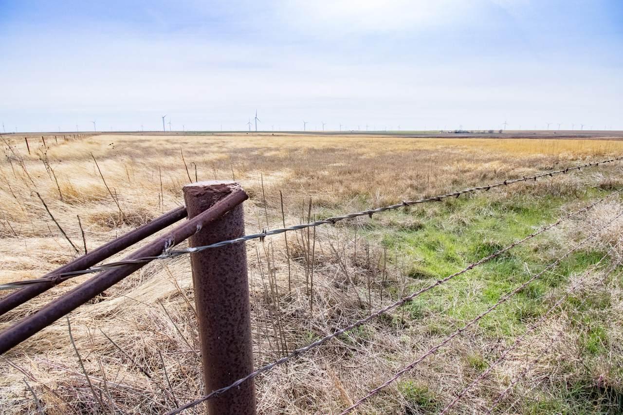 Carson County +/-400 Acres - Photo 1