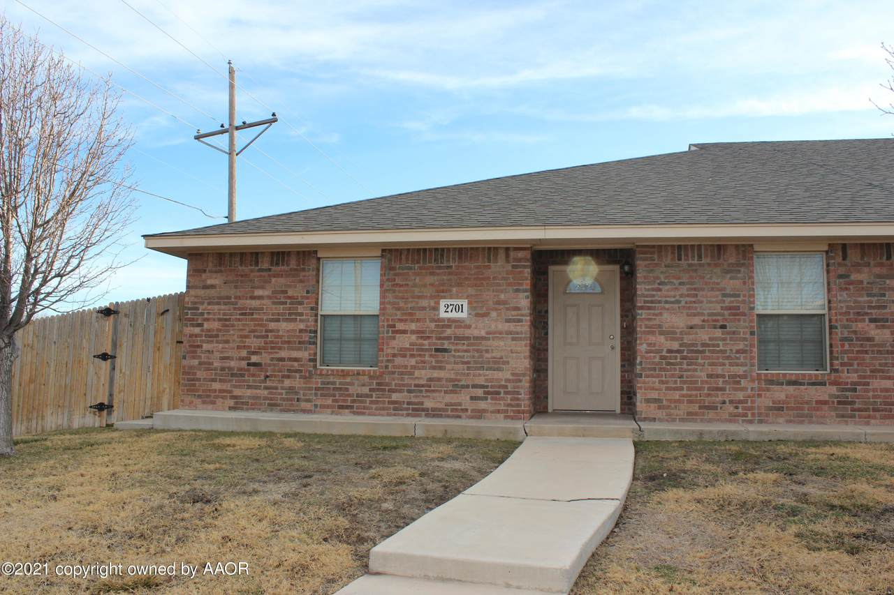 2701 Steves Way - Photo 1