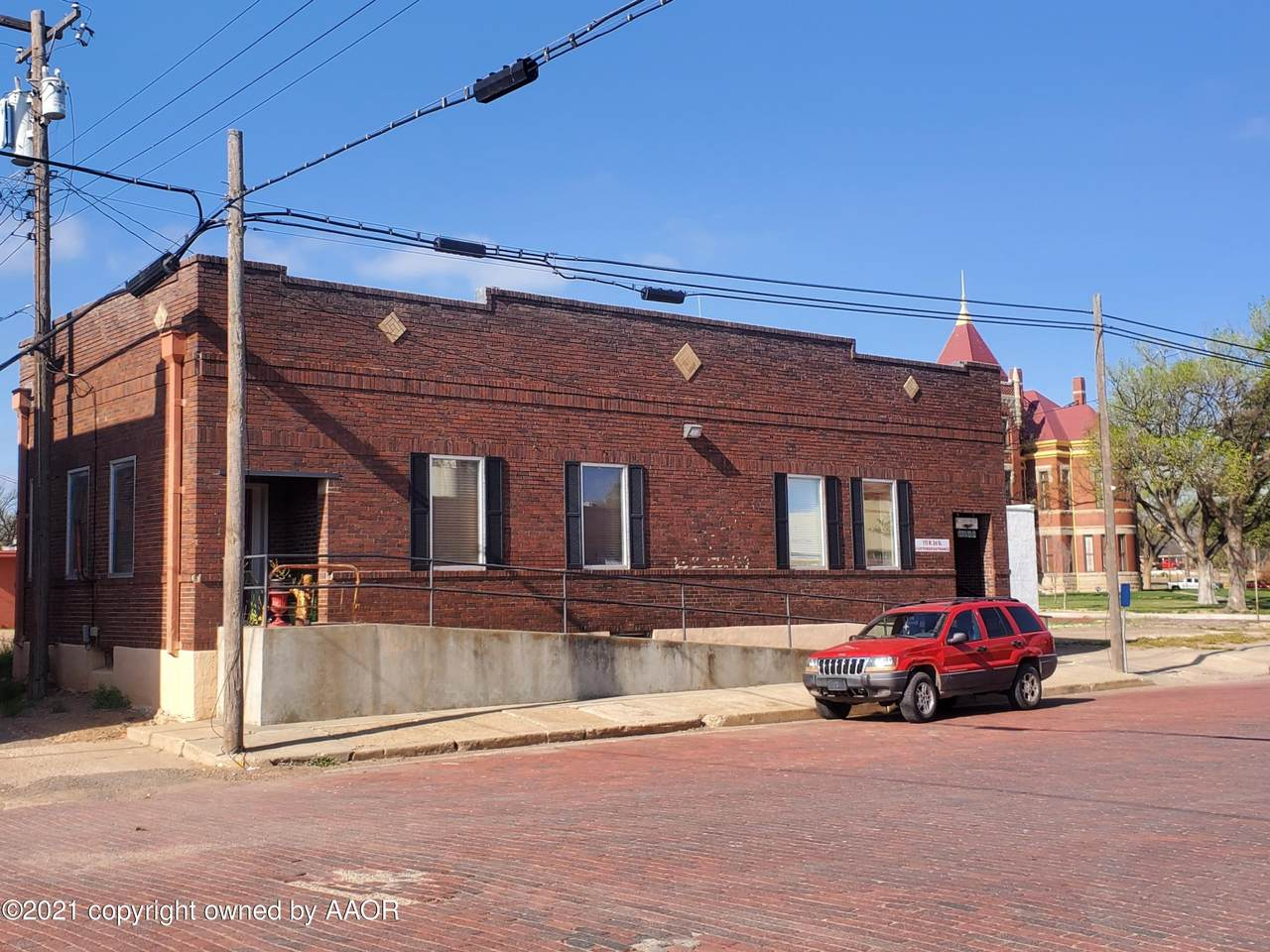 115 3rd St - Photo 1
